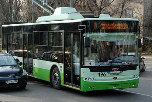1323112049_trolleybus_41