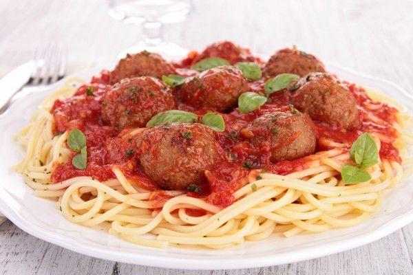 Сытно и аппетитно: тефтели в томатном соусе